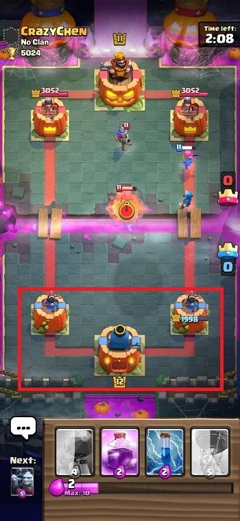 Battle Clash Royale dengan Skin Tower